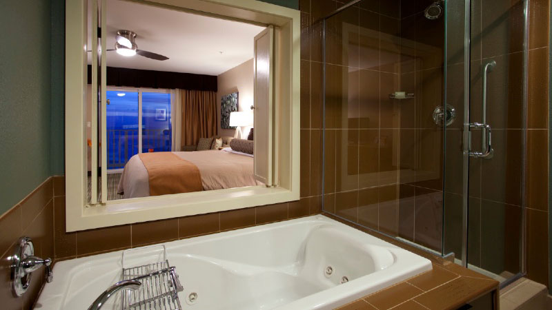 Soaking Jetted Tub with Oceanview